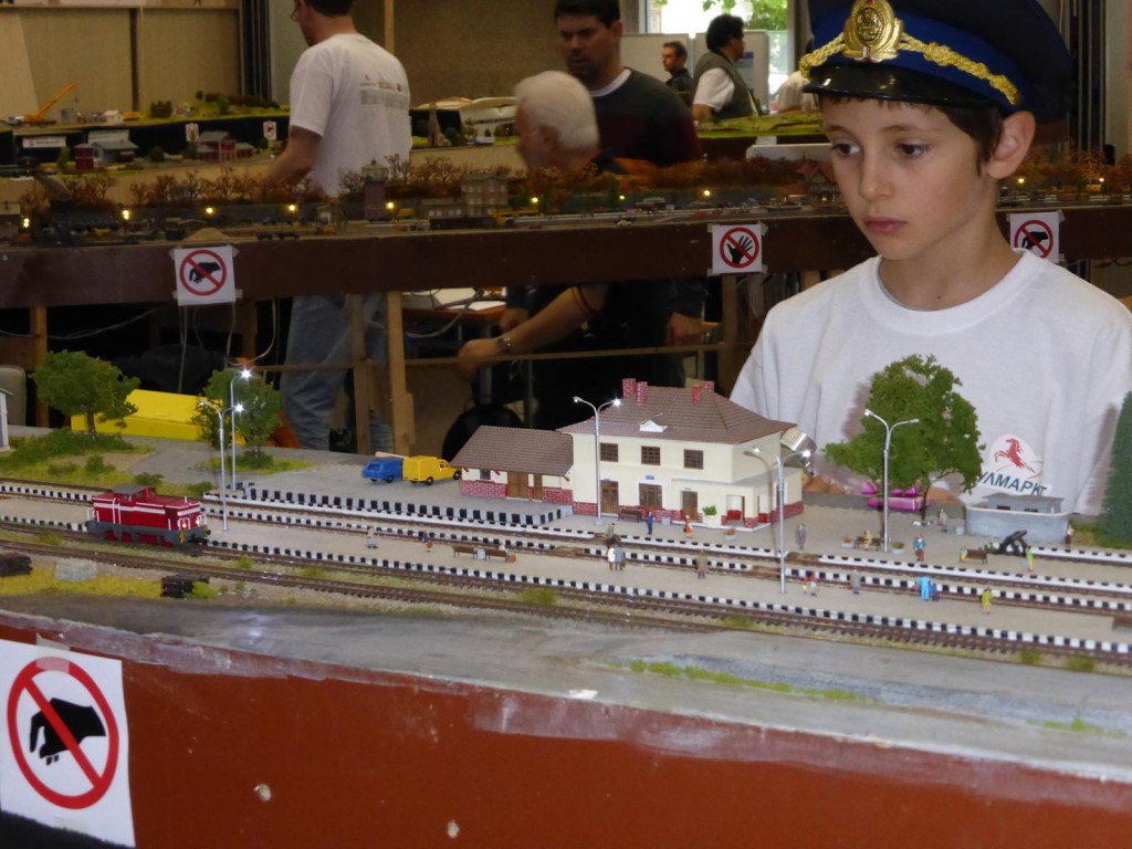 The young genertion in the model railroading