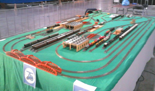 Model Train Layouts & Track Plans in 00 scale - Various