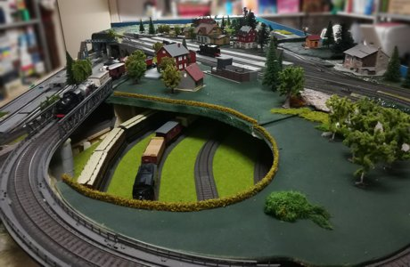 Model Train Layouts & Track Plans with Marklin tracks - Various
