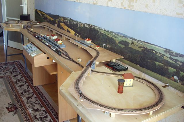 New website with free track plans and layout designs ...